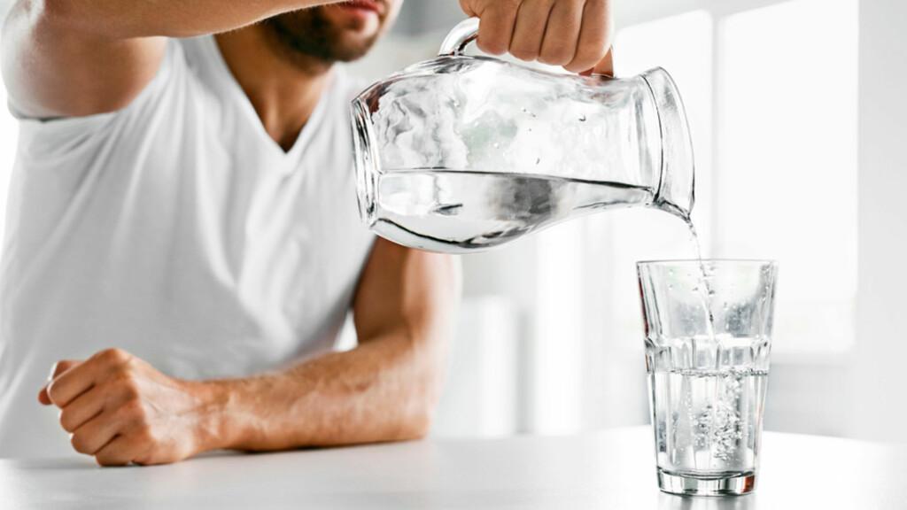 SYMPTOMER PÅ DIABETES TYPE 2: Økt tørste og vannlating kan være merkbart ved svært uttalte tilfeller Foto: NTB Scanpix/Shutterstock