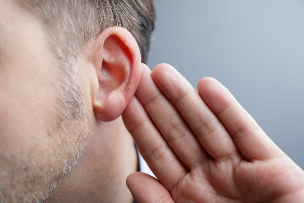 DÅRLIG HØRSEL: Nedsatt hørsel ved økende alder vil alle oppleve. Foto: Brian A Jackson/ Shutterstock/ NTB scanpix