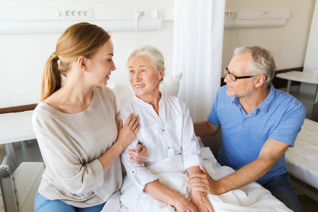 HENTE MEDISINER FOR ANDRE: Personen du skal hente ut medisiner til må samtykke. Fullmaktskjema er gyldig i 3 år dersom ikke noe annet spesifiseres på skjema.  Foto: Shutterstock