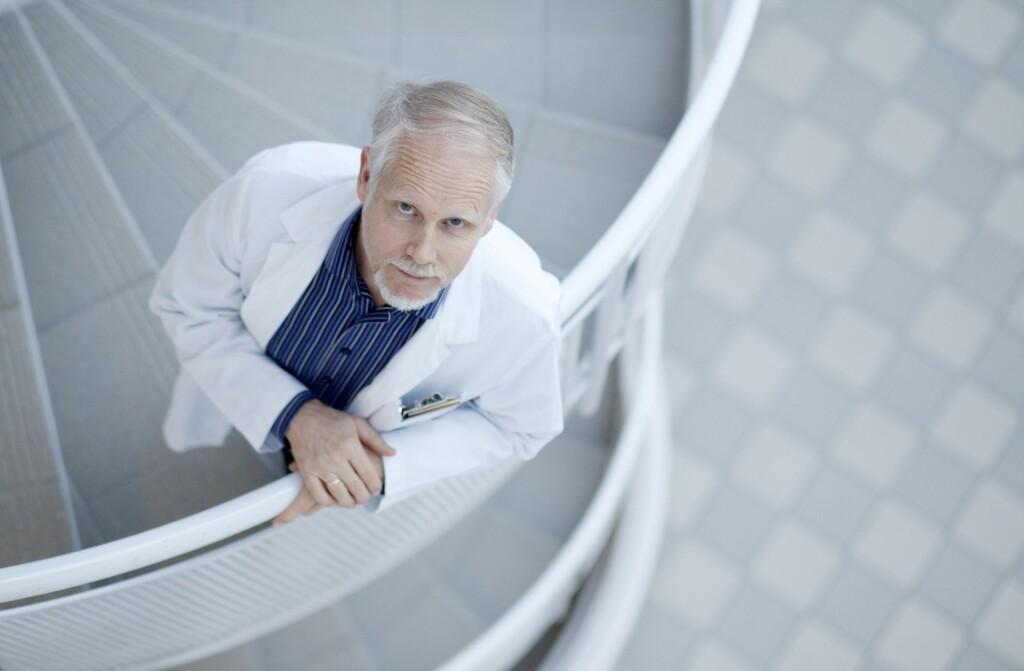 HELSEANGST: Ingvard Wilhelmsen er professor og spesialist i hypokondri ved Haraldsplass Diakonale sykehus, Universitetet i Bergen.  Foto: Paul Sigve Amundsen / Samfoto/Scanpix