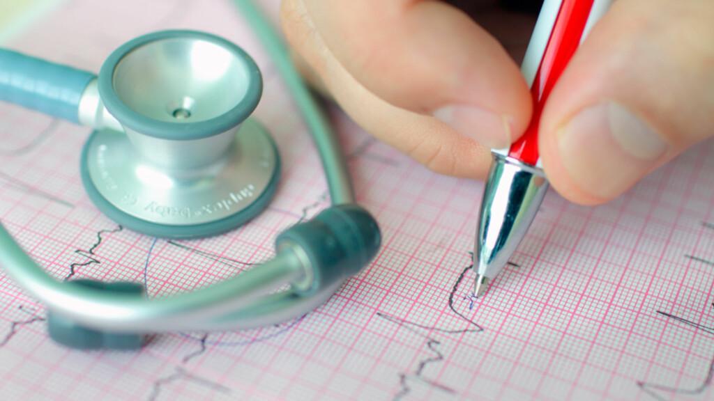 HJERTEBANK: En ekstrasystole kan kjennes som et ekstra hjertebank, like vanlig er det å kjenne ingenting når man har en ekstrasystole. Foto: NTB Scanpix/Shutterstock