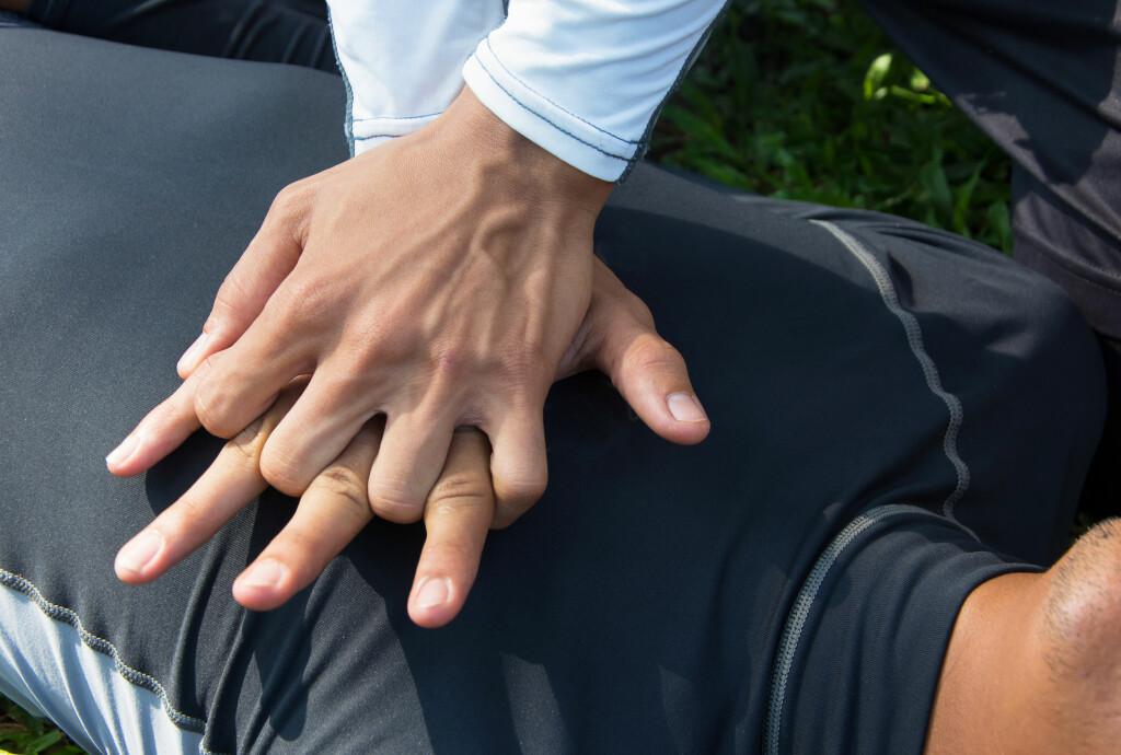 DETTE BØR DU KUNNE: Du vil aldri vite om du havner i en situasjon der du behøver å utføre hjerte- og lungeredning.