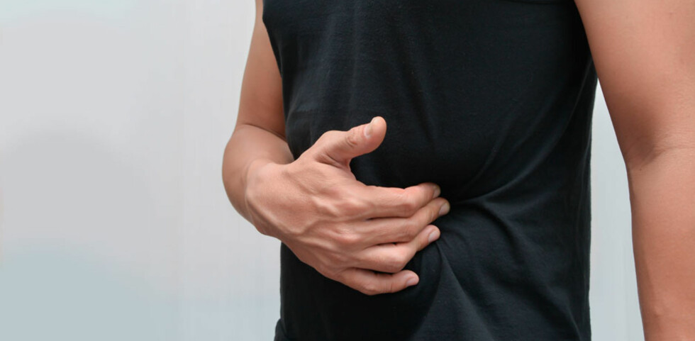 GALLEBLÆREBETENNELSE: Symptomer er smerter i øvre, høyre del av magen, samt feber og sykdomsfølelse. Foto: NTB Scanpix/Shutterstock