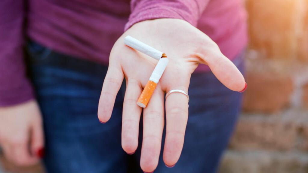 GRATULERER: Røykeslutt er det beste du kan gjøre for helsa di. Nå må du være klar for 12 uker med overkommelig abstinens, host og andre plager.  Foto: NTB Scanpix/Shutterstock