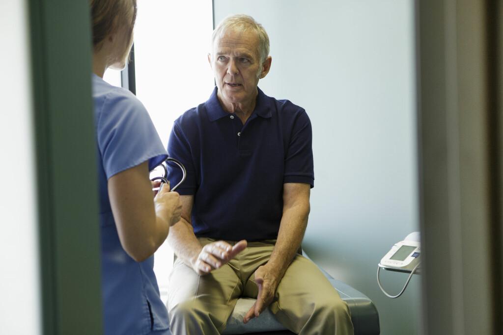 VIKTIG UNDERSØKELSE: Fra man er 50 år bør alle menn sjekke prostataen jevnlig Foto: Scanpix