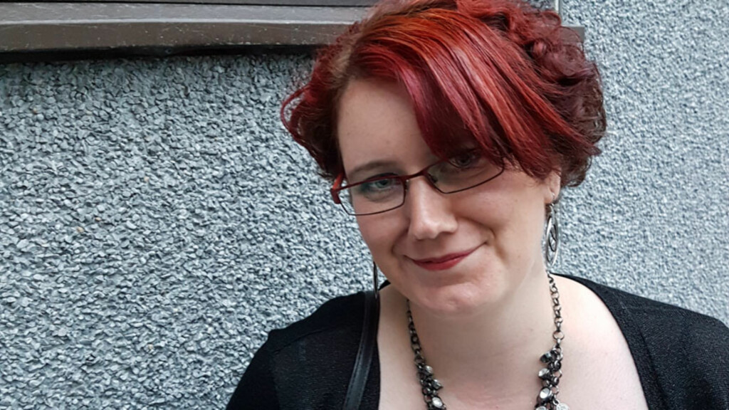 STOFFSKIFTEPROBLEMER: Siri Elise Enoksen gikk 10 år med ubehandlet hypotyreose og feil medisinering. Nå føler hun seg mye bedre og har fullført både videregående og tatt høgskoleutdanning. Foto: Privat