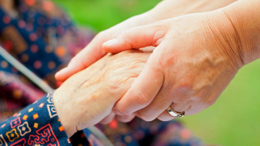 DEMENS: Symptomene på demens fanges ofte først opp av pasientens nærmeste pårørende. Foto: NTB Scanpix/Shutterstock