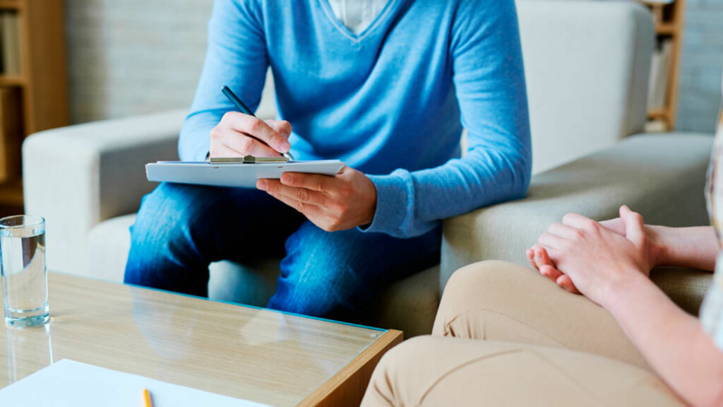 KOGNITIV TERAPI: En form for psykoterapi som tar sikte på å identifisere automatiske tanker og finne nye måter å mestre problemer. Foto: NTB Scanpix/Shutterstock