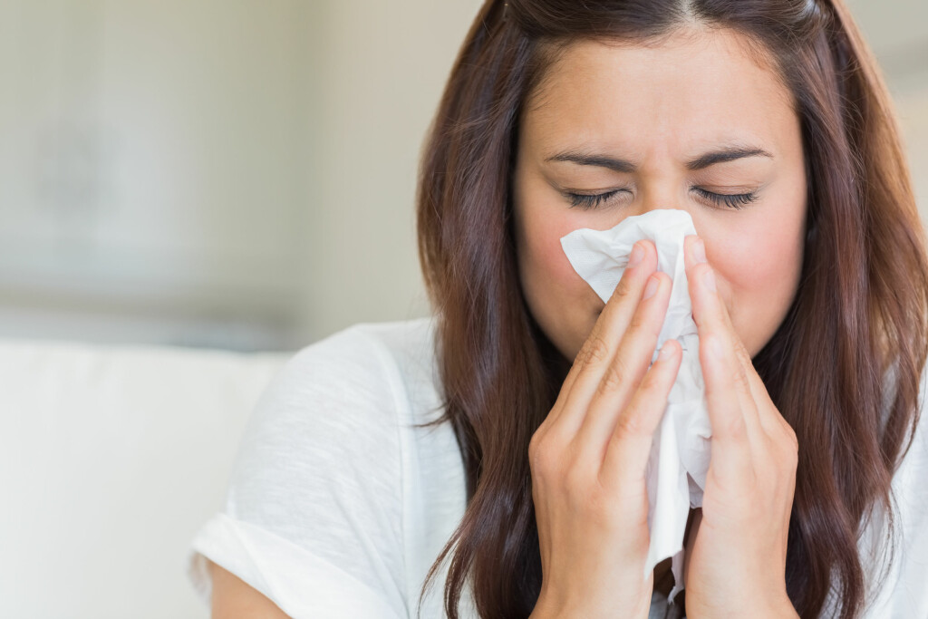 Snørrete nese: Rennende nese er vanlig ved forkjølelse, men det kan også komme av andre grunner. Foto: NTB Scanpix