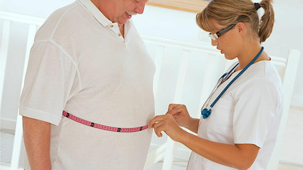 METABOLSK SYNDROM: Overvekt, særlig en stor livvidde (epleform), høye triglyserider, lavt HDL kolesterol, høyt blodtrykk og høyt fastende blodsukker. Har du tre av disse symptomene, har du diagnosen. Foto: NTB Scanpix