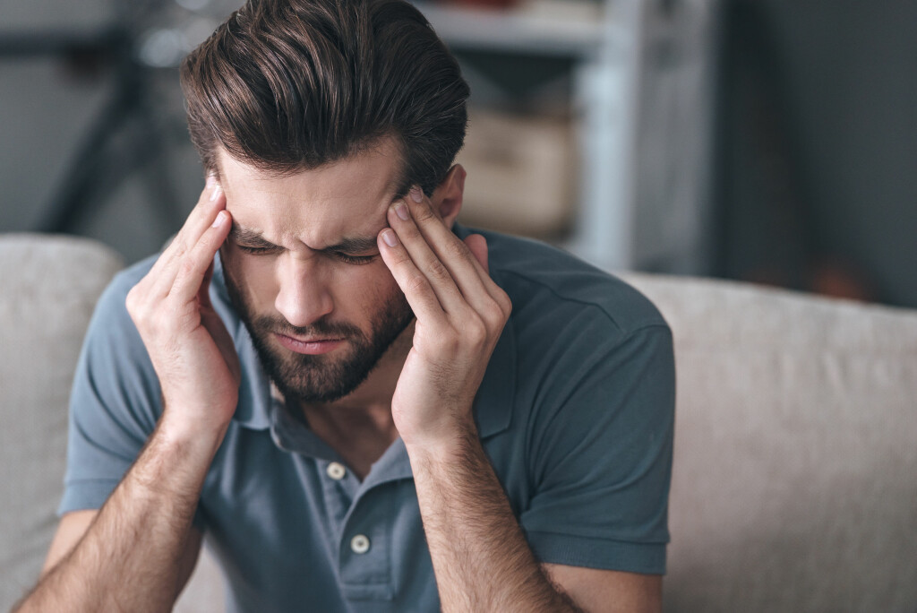 Klasehodepine: Hodepinen kan forveksles med migrene. Foto: NTB Scanpix