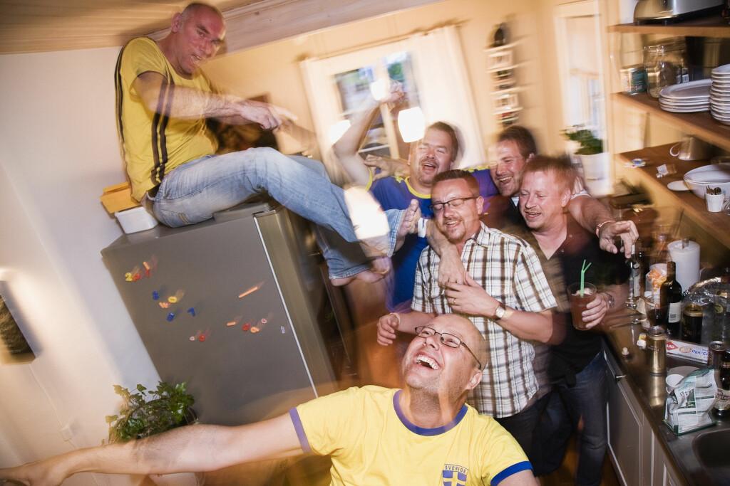 ALKOHOL BEDØVER HJERNEN: Ved en promille på 1,5 får man dårligere motorikk og blir snøvlete.  Foto: Scanpix