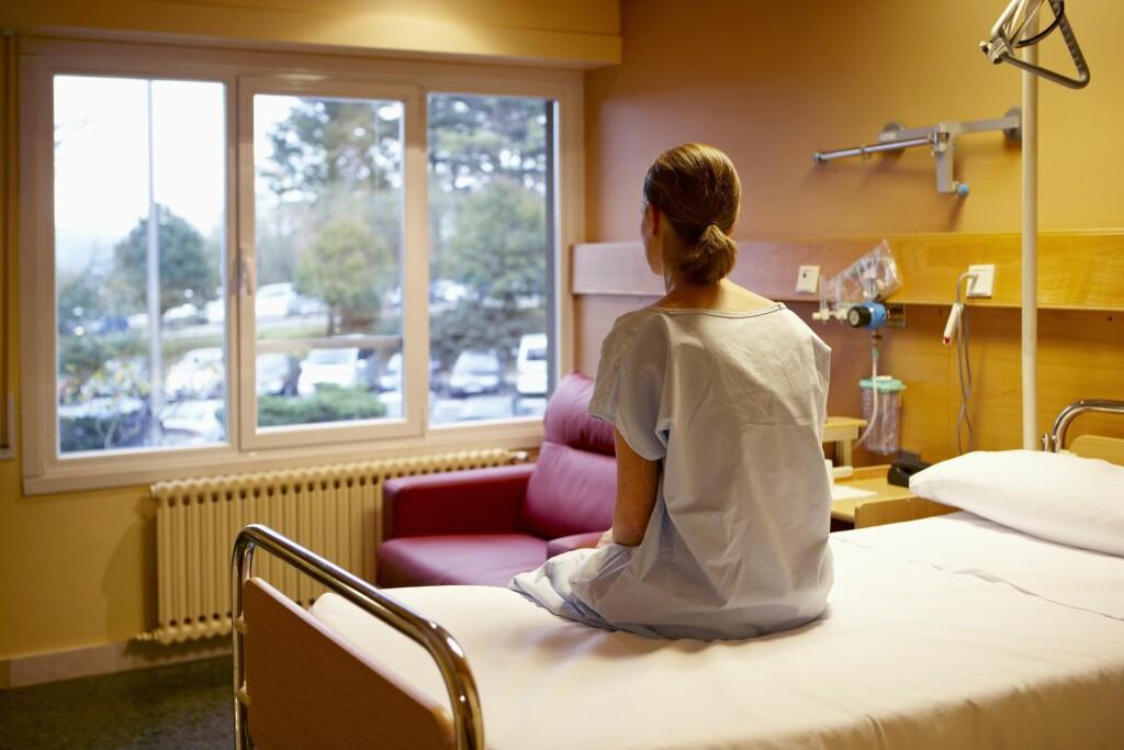 PAKKE SYKEHUSBAG: Fra tid til annen hender det at vi må overnatte på sykehuset i noen dager. Hva trenger du å pakke med deg? Foto: Scanpix