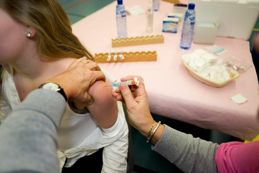 HPV-VAKSINE: Totalt har 157 118 jenter fått vaksine i Norge, og ingen av dem har utviklet livmorhalskreft.  Foto: Scanpix