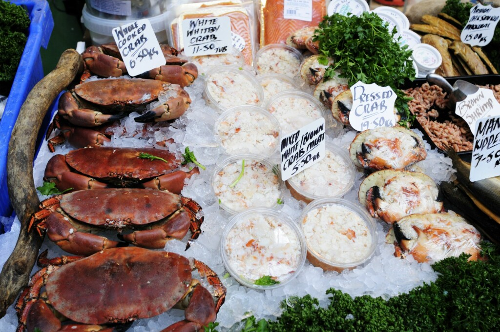 SÅ MYE KAN DU SPISE: Voksne kan spise opptil 13 til 14 hele krabber med brunmat i året. Ferdig fylte krabbeskjell nneholder mindre brunt kjøtt enn hele krabber. Foto: Scanpix