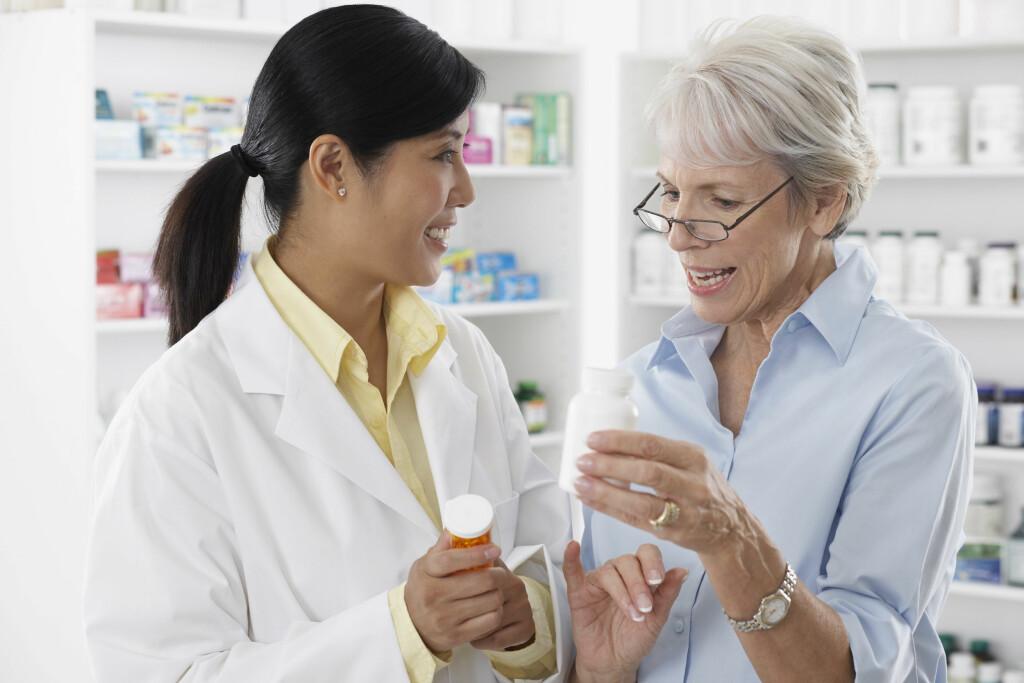 TILGJENGELIG: – Hos apotek er det lav terskel for å komme i dialog med helsepersonell, sier kommunikasjonssjef i Boots Norge, Vibeke Hoff Norbye.  Foto: Scanpix