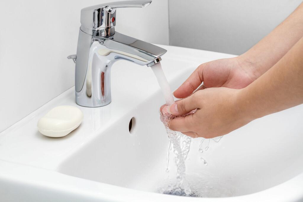HÅNDVASK: God håndhygiene er et must - spesielt som helsepersonell.  Foto: All Over Press