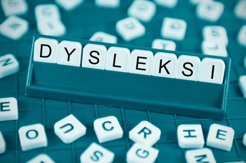 DYSLEKSI: Dysleksi er en vedvarende forstyrrelse. Selv om lesingen etter hvert blir bedre, vedvarer som oftest rettskrivingsvanskene. Foto: NTB Scanpix/Shutterstock