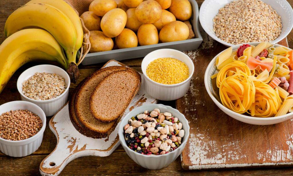 MAT MED KARBOHYDRATER: Kroppen din er helt avhengig av å få tilført karbohydrater. De sunneste karbohydratene er kommer fra fiber og fullkorn. Foto: Ntb Scanpix / Shutterstock