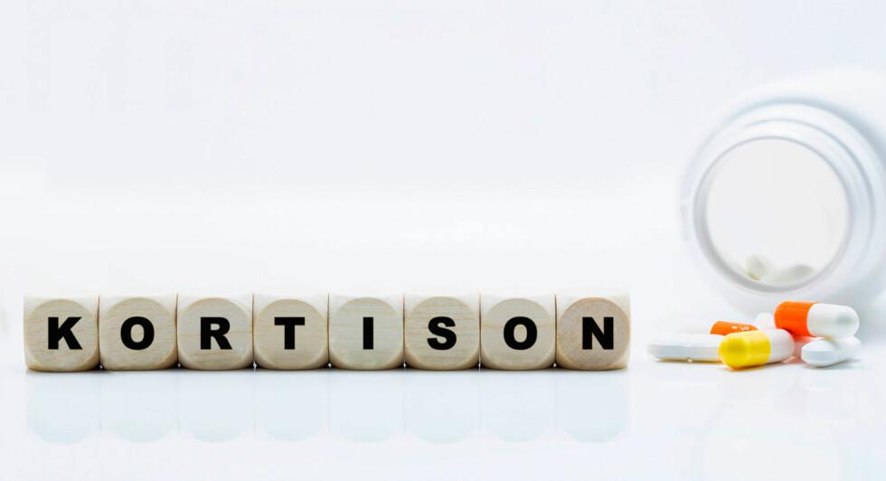 KORTISON: Kortisol er stoffet som kroppen produserer selv, kortison er syntetiske stoffer som etterligner kroppens kortisol. Foto: NTB Scanpix / Shutterstock