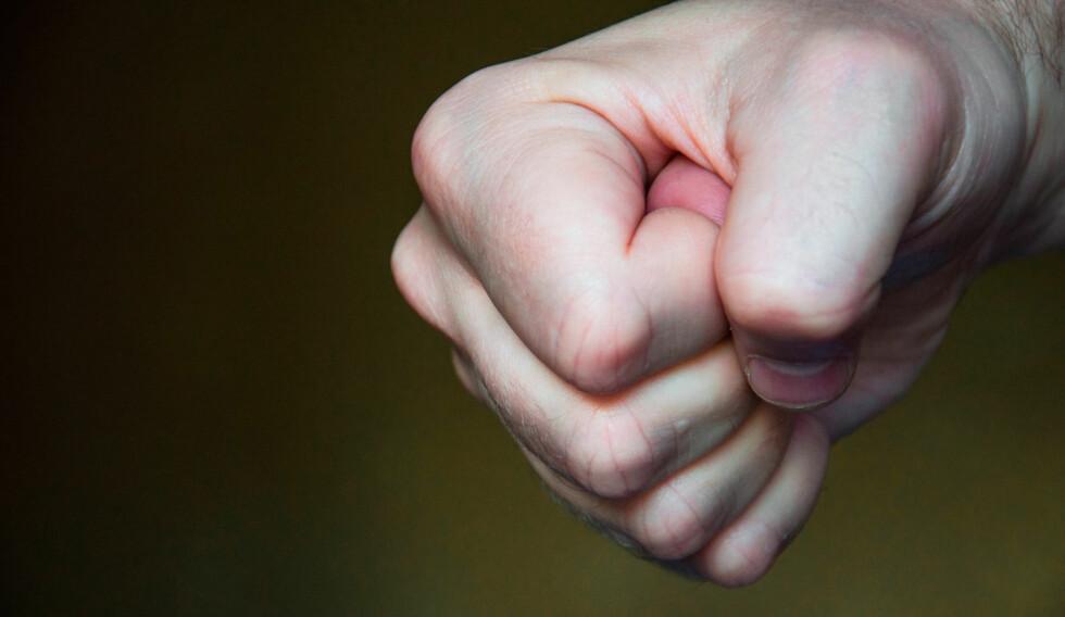 AGGRESJON: Hos personer med dyssosial/antisosial personlighetsforstyrrelse vil frustrasjonstoleranse være lav og man har lav terskel for aggresive utbrudd, inklusive voldsbruk. Foto: NTB Scanpix / Shutterstock