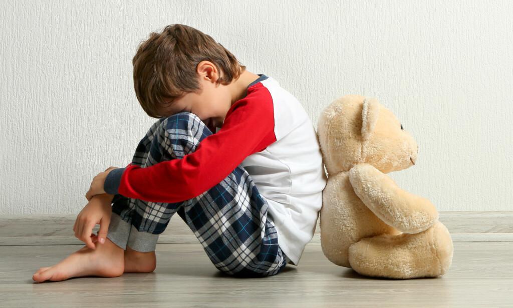 MELD BEKYMRING: Et barn som ikke har det bra hjemme er prisgitt andre observante voksne som tør å melde fra. Helsepersonell og ansatte i skole og barnehage kan ikke velge om man vil melde bekymring eller ikke - de har plikt! Foto: NTB Scanpix /Shutterstock