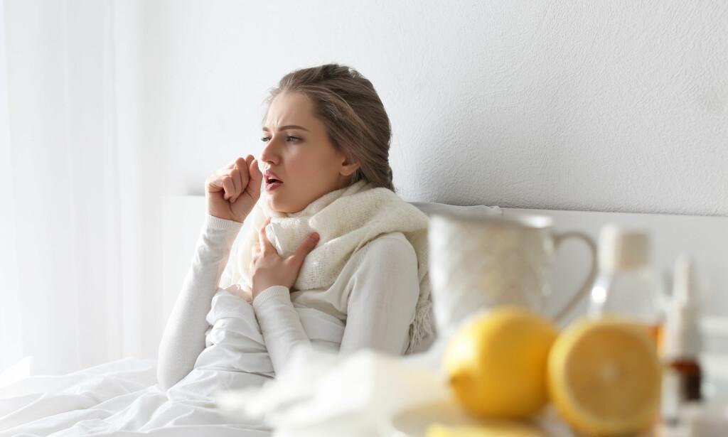 INFLUENSA: Noen har allerede fått influensa, mens mange av oss kan forvente å bli syke ved juletider og ukene etter. Det finnes ingen mirakelkur, men noen tiltak kan settes i gang for å forbedre situasjonen. FOTO: NTB Scanpix