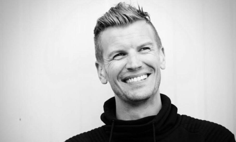LUNGEN BLE PLUTSELIG PUNKTERT: John Helge Bakken (34) var 28 år da lungen hans plutselig kollapset. Bakken er 1,84 meter høy, slank og røykte på tidspunktet. Foto: Emma Fjeldvig