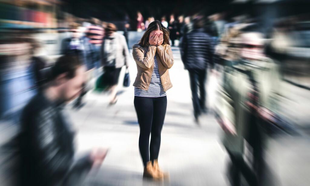PANIKKANGST: Hjertebank, svimmelhet, kvelningsfølelse - uvirkelighetsfølelse... Slik beskriver ofte personer anfall med panikkangst. Foto: NTB Scanpix/Shutterstock
