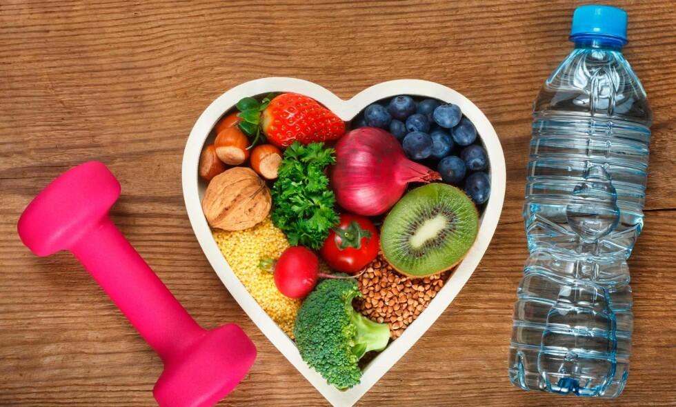 SUNT KOSTHOLD: Sunn mat er nøkkelen til å gå ned i vekt. Fysisk aktivitet spiller også en rolle, men viktigst er kostholdet når det gjelder vektnedgang. Foto: NTB Scanpix/Shutterstock