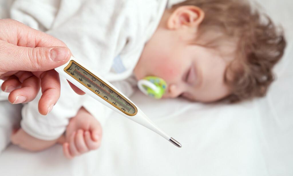 FEBER: Feber får lettere feber enn voksne. Foto: Shutterstock / NTB Scanpix