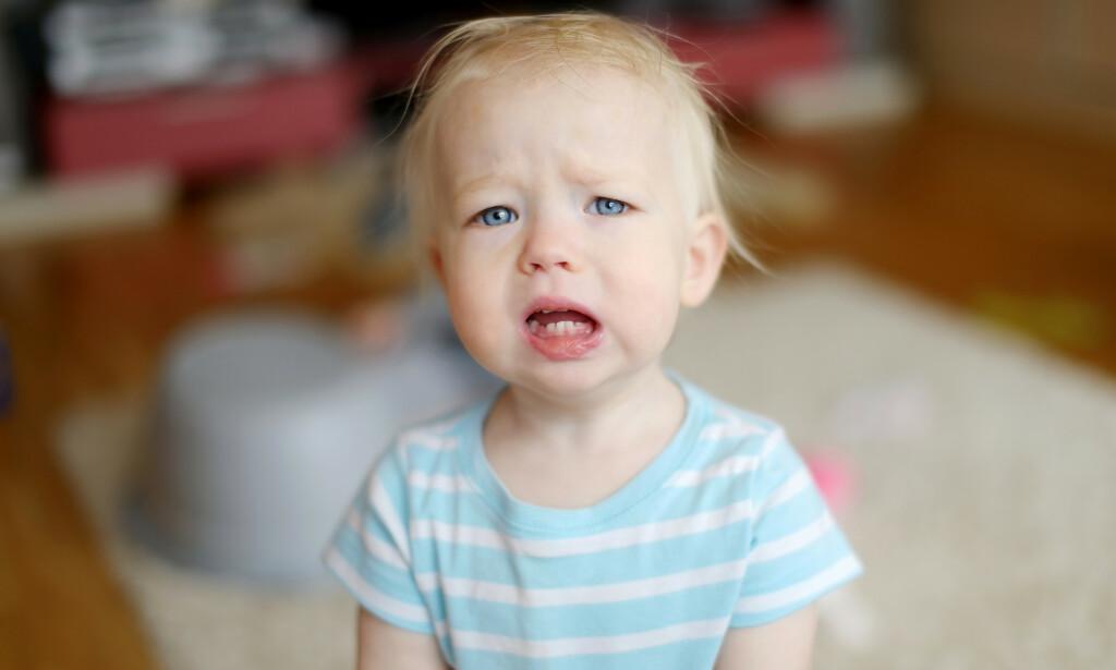 SMÅBARN: Det er ikke alltid lett å vite når man bør kontakte legen dersom barnet blir syk. Foto: Shutterstock / NTB Scanpix