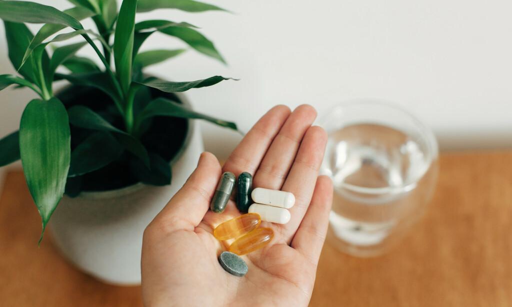 TILSKUDD: Det finnes flere myter om magnesium. Hvorvidt det er lurt å ta tilskudd er en av dem. Foto: Shutterstock / NTB Scanpix