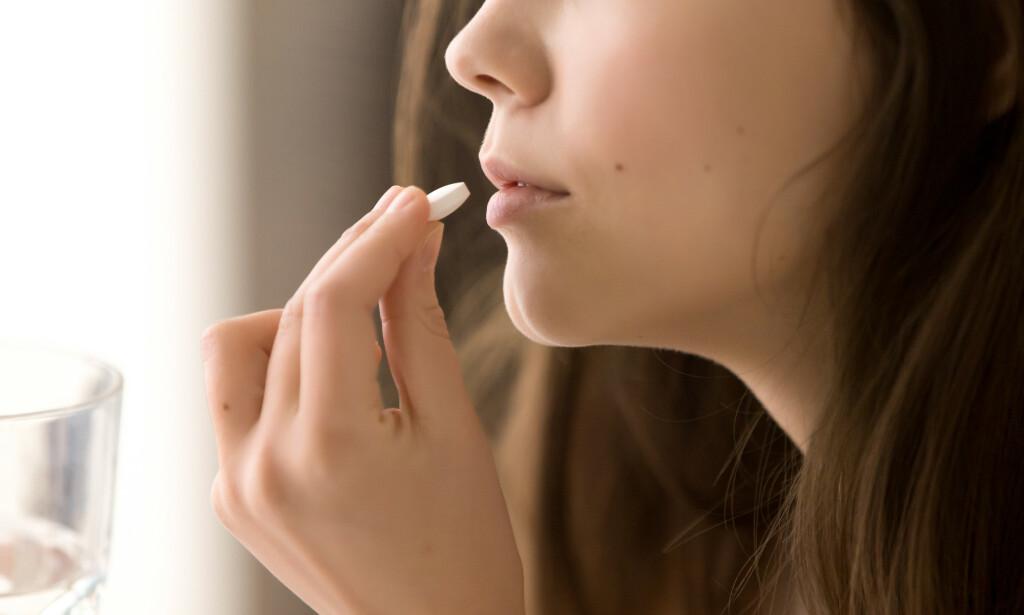 ANTIBIOTIKA: Antibiotika virker ikke på virus, men kan bli nødvendig dersom halsbetennelsen skyldes bakterier. Foto: Shutterstock / NTB Scanpix