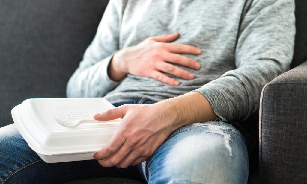 MATFORGIFTNING: Kvalme, oppkast og diare er vanlige symptomer ved matforgiftning. Foto: Shutterstock / NTB Scanpix