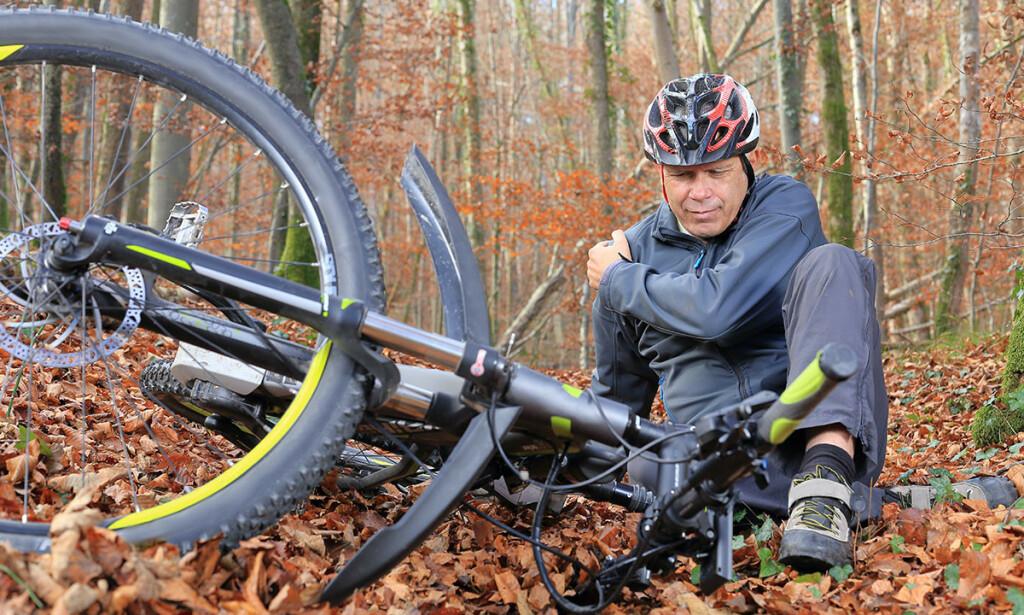 SYKKELSKADER: Skader skjer ofte akutt ved at syklisten faller av sykkelen. Foto: Shutterstock / NTB Scanpix