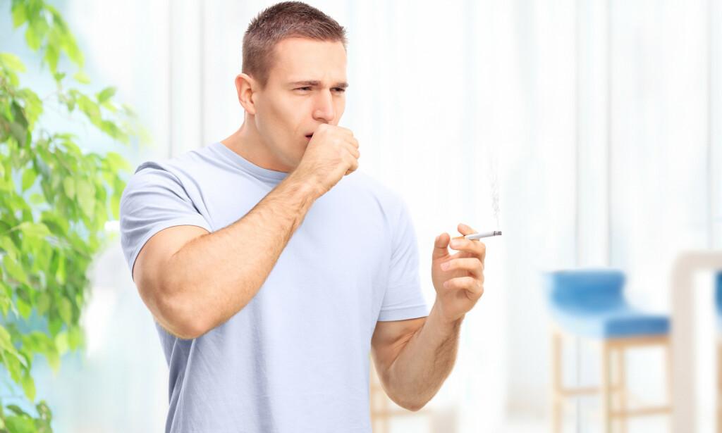 RØYKEHOSTE: Røykehoste er som navnet tilsier en hoste som oppstår grunnet røyking. Foto: NTB Scanpix/Shutterstock.