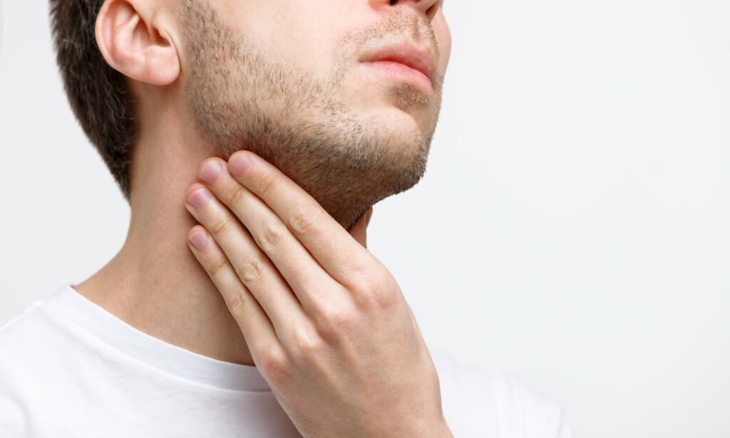 KLUMPFØLELSE: En følelse av en klump i halsen er ofte langvarig, og kan være vanskelig å behandle. Følelsen blir ofte verre ved emosjonelt stress. Foto: NTB Scanpix / Shutterstock