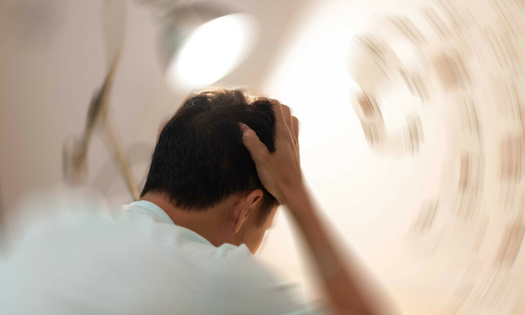 PLUTSELIG SVIMMEL? Svimmelhet og gyngende fornemmelser kan være et symptom på mange ulike sykdommer. Årsaken kan ligge i ørets balanseorgan. Foto: Chu KyungMin / Shutterstock / NTB