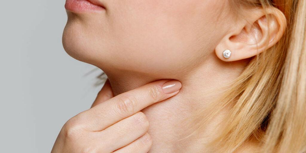 image: Følelse av klump og sårhet i halsen