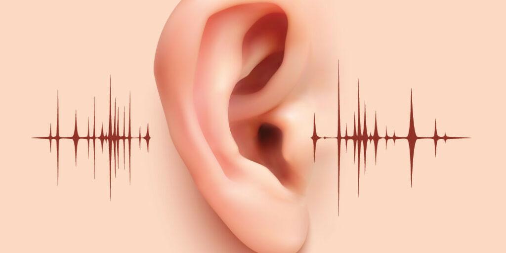 image: Knitrelyd i øret