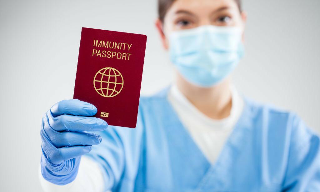 VAKSINEPASS: Blant annet WHO og EUs myndigheter ser på muligheten for vaksinepass. Foto: Cryptographer / NTB