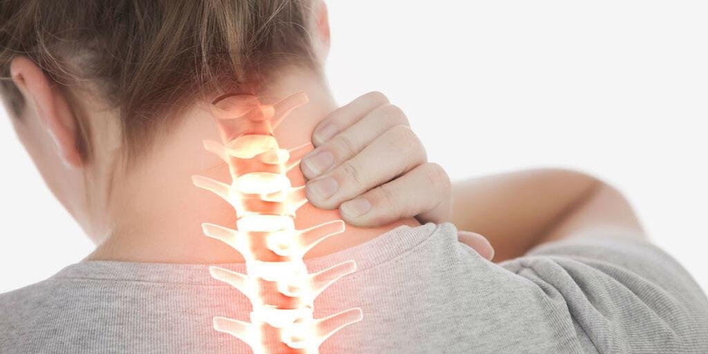 image: Stiv nakke, skuldre og hofte. Prikking. Bekymret for MS