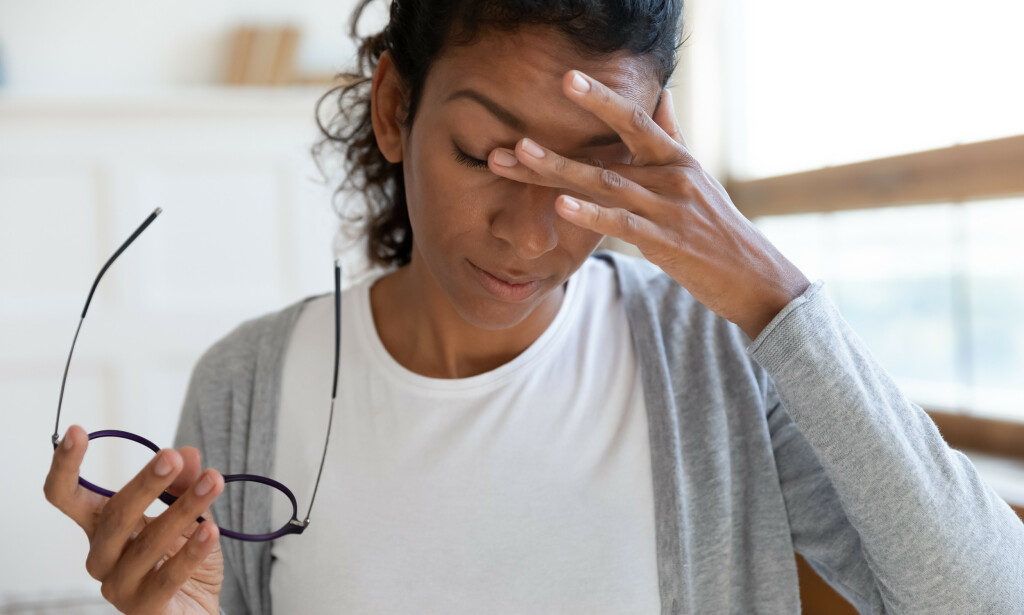 TØRRE ØYNE: Tørre øyne er et vanlig symptom ved Sjøgrens syndrom. Foto: fizkes / NTB