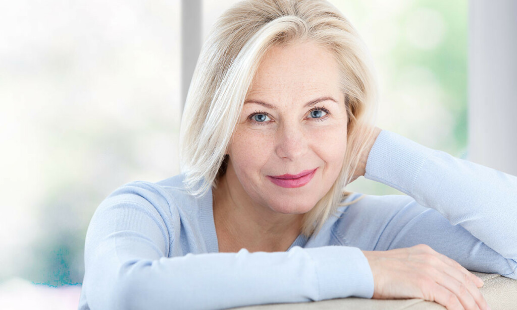OVERGANGSALDER: Middelaldrende kvinner får symptomer som kommer og går i perioder over flere år. Foto: Miss Ty / Shutterstock / NTB