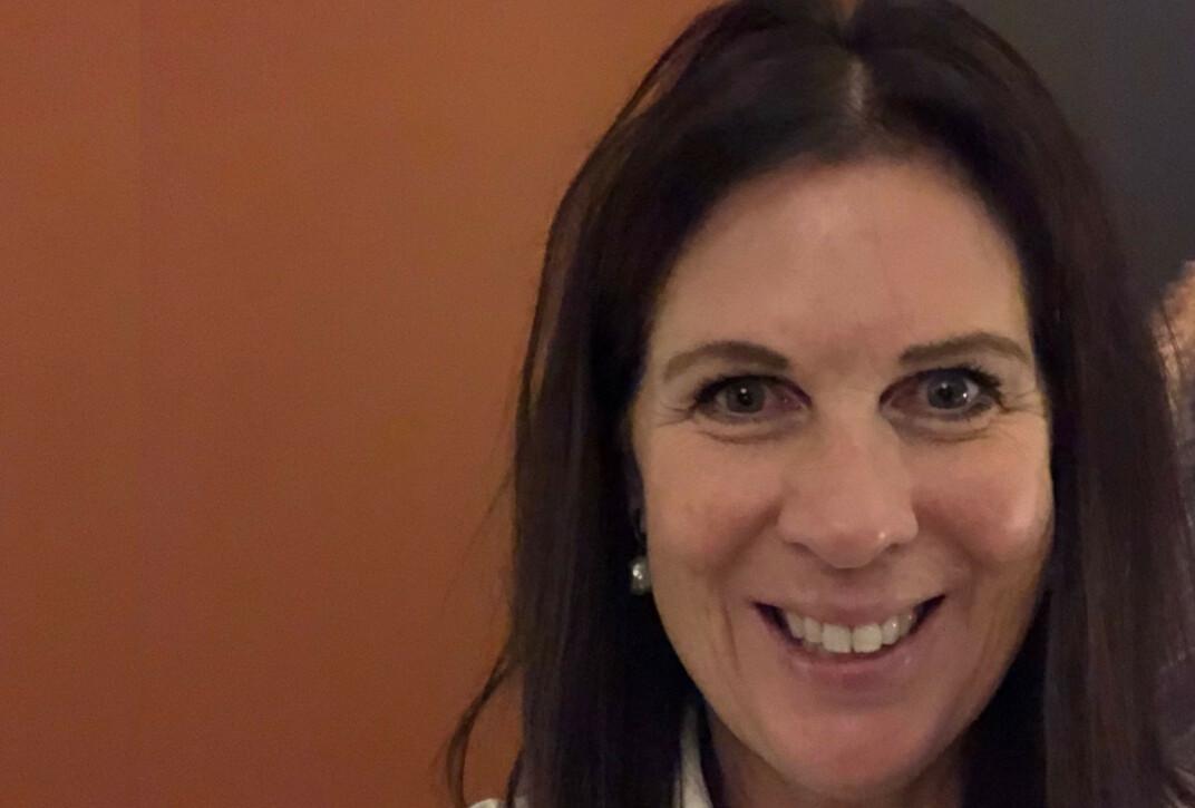 ÅPEN OM SYKDOMMEN: Grethe ønsker å bidra til mer kunnskap om sjeldne migrenesykdommer. Foto: Privat.