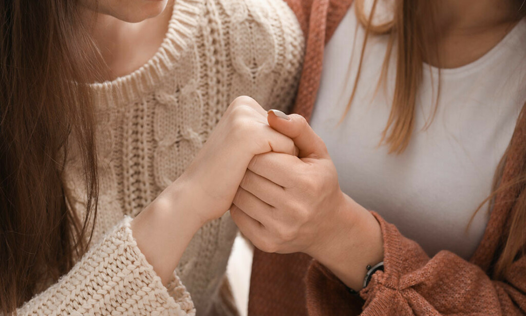 NÅR LIVET GJØR VONDT: Det er ikke et mål å unngå alt som gjør vondt, men at ingen skal behøve å være alene med det. Foto: Pixel-Shot / Shutterstock / NTB